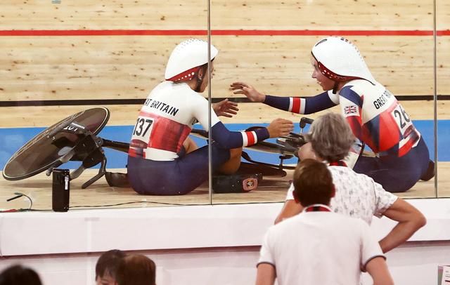 Duh, Tim Sepeda Inggris Raya Kecelakaan Usai Selebrasi di Olimpiade 2020 (25938)