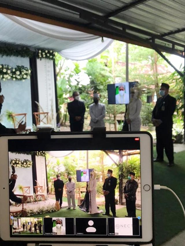 Mempelai Pria Corona, Ijab Kabul Pernikahan di Yogya Dilakukan via Video Call (254902)