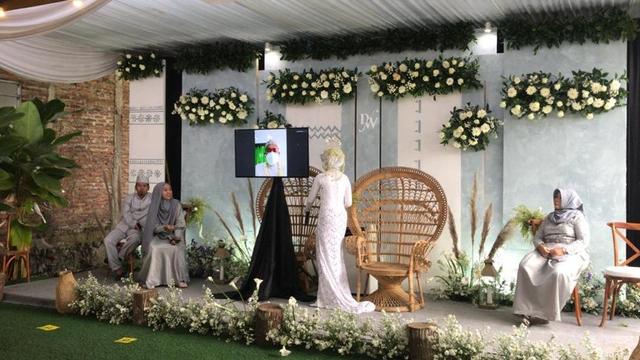 Mempelai Pria Corona, Ijab Kabul Pernikahan di Yogya Dilakukan via Video Call (254900)
