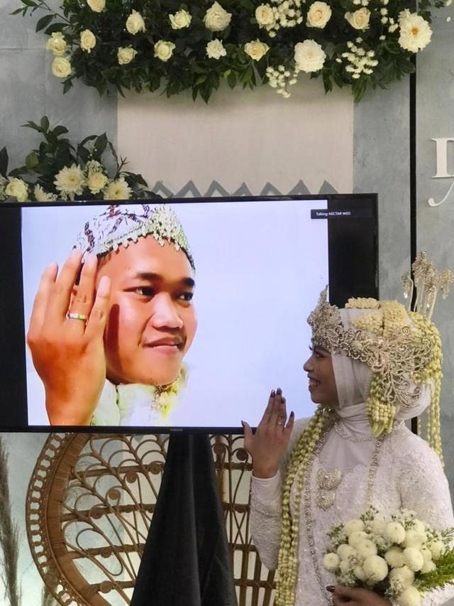 Mempelai Pria Corona, Ijab Kabul Pernikahan di Yogya Dilakukan via Video Call (254901)