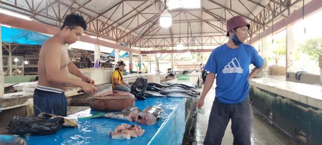 Foto: PPKM Level 3 Dilanjutkan, Sejumlah Pedagang di Kendari Pilih Menutup Lapak (676786)