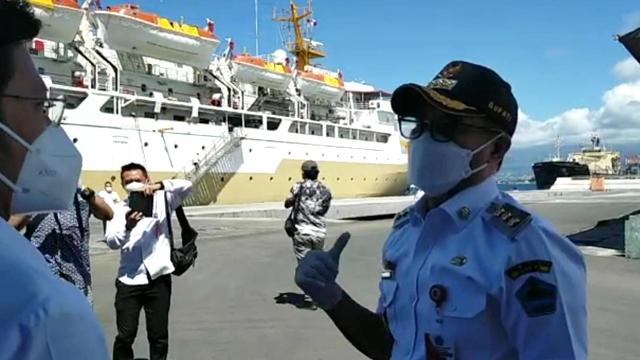 Bupati Minut Tinjau Kapal Isoman, Kerjasama Pemerintah dan PT Pelni (577351)