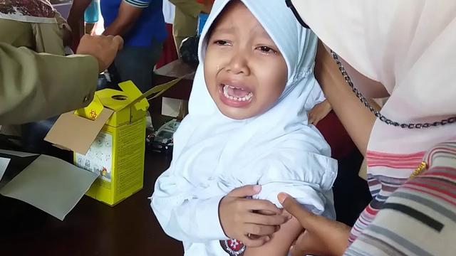 Kamu Takut Vaksin, Emang Pas SD Enggak Pernah Ikut Imunisasi? (9216)