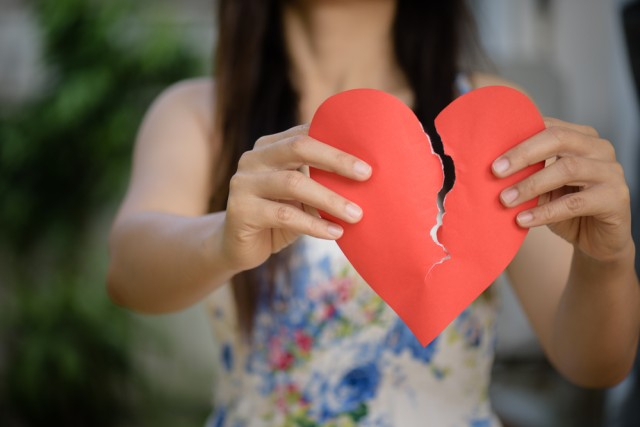 4 Cara Mengatasi Trust Issue (56810)