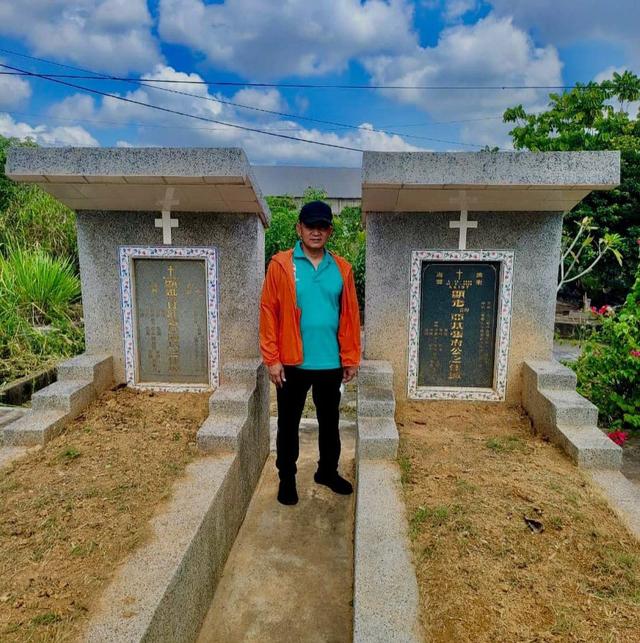 Kapolda Sumsel Kunjungi Makam Akidi Tio (714505)