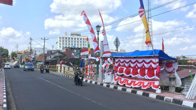 Nestapa Penjual Bendera di DIY di Bulan Kemerdekaan: Sepi Pembeli (10559)