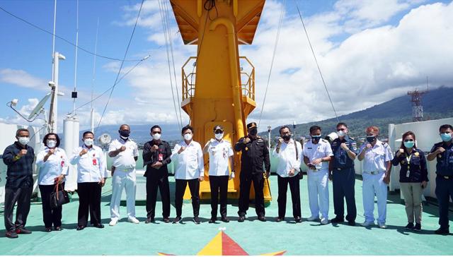 Bupati Minut Tinjau Kapal Isoman, Kerjasama Pemerintah dan PT Pelni (577352)