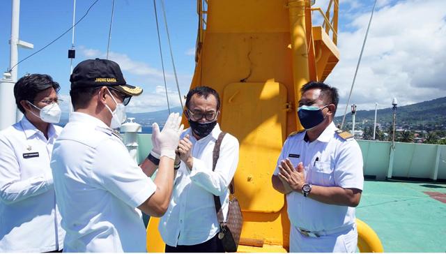 Bupati Minut Tinjau Kapal Isoman, Kerjasama Pemerintah dan PT Pelni (577353)