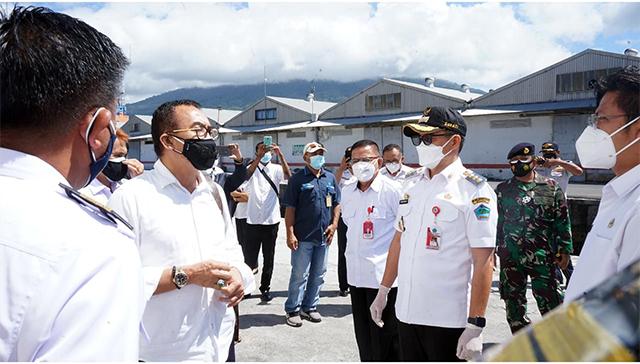 Bupati Minut Tinjau Kapal Isoman, Kerjasama Pemerintah dan PT Pelni (577354)