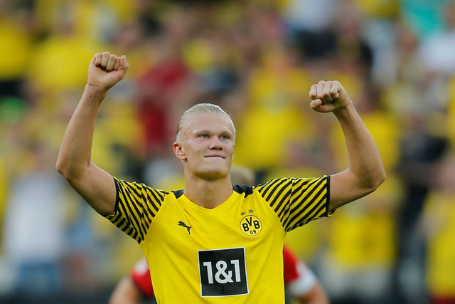 Jude Bellingham Kecup Pipi Haaland Usai Bawa Dortmund Menang atas Besiktas (75497)