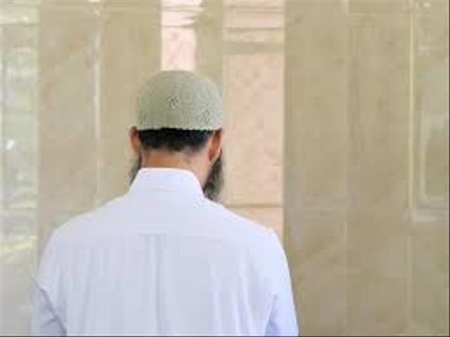 Niat Sholat Hajat Arab, Latin Serta Tata Cara Pelaksanaannya (59811)