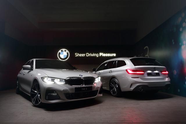 BMW 330i Sedan dan 320i Touring Anyar Mengaspal, Harga Mulai Rp 1,09 Miliar (52229)