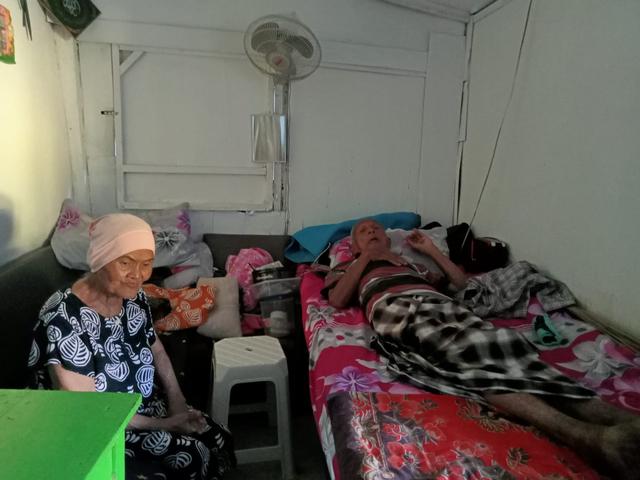 Dompet Amal untuk Kakek Satirun, Usia 86 Tahun Masih Jualan Dawet Berjalan Kaki (226278)