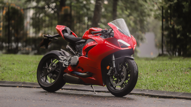 kumparan Test Ride: Sensasi  Tunggangi Ducati Panigale Termurah di Indonesia (50751)