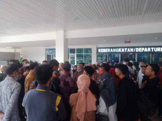 23 Orang Mahasiswa di Kendari Gunakan Surat PCR Palsu di Bandara (66018)