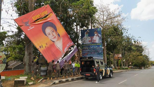 Baliho Puan Maharani di Kota Batu Jadi Sasaran Vandalisme, Coretannya 'Open BO' (230371)