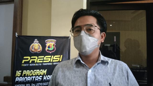 Gudang Berisi Ratusan Rokok Tanpa Pita Cukai di Bandar Lampung Digerebek (36923)