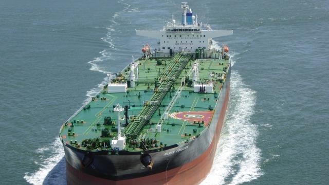 Kapal Tanker Diduga Pencuri Minyak Ditangkap TNI AL di Perairan Anambas (13927)