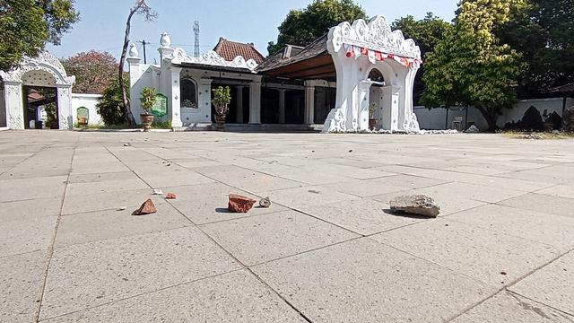 Pascaricuh, Keraton Kasepuhan Cirebon Tetap Buka Kunjungan bagi Wisatawan (42546)