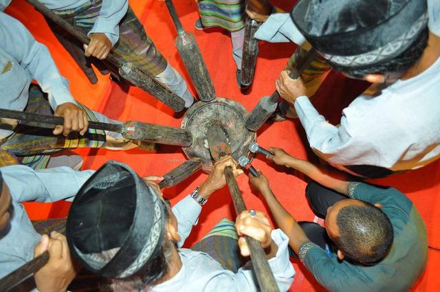 Mengenal Warisan Budaya Kesenian Alu di Natuna (282249)