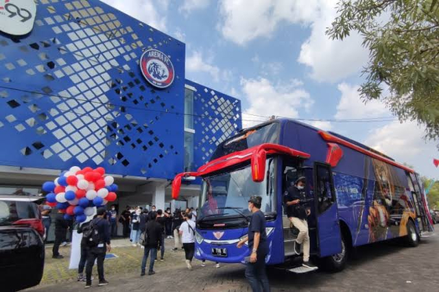 Foto: Deretan Bus Klub Sepak Bola Liga 1 2021, Mana yang Paling Keren? (264255)