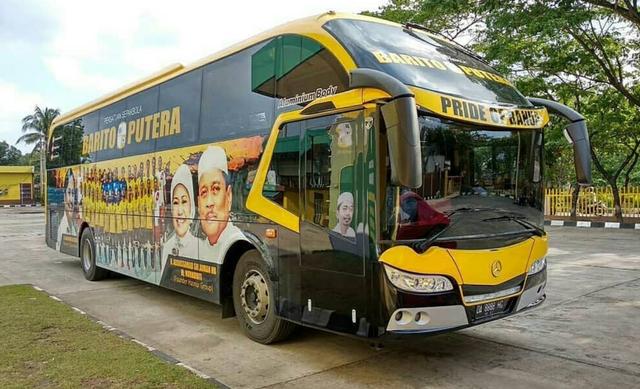 Foto: Deretan Bus Klub Sepak Bola Liga 1 2021, Mana yang Paling Keren? (264253)