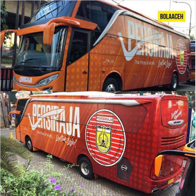 Foto: Deretan Bus Klub Sepak Bola Liga 1 2021, Mana yang Paling Keren? (264262)