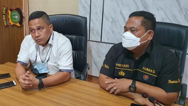 Polisi Tangkap Dua Pelaku Penyekapan Pengusaha dan Istri di Depok (100664)