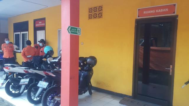 Kasus Dana Makam Corona, Polisi Geledah Ruangan Plt Kepala-Kabid II BPBD Jember (91225)