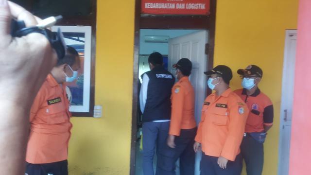 Kasus Dana Makam Corona, Polisi Geledah Ruangan Plt Kepala-Kabid II BPBD Jember (91223)