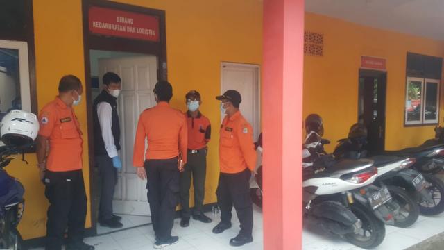 Kasus Dana Makam Corona, Polisi Geledah Ruangan Plt Kepala-Kabid II BPBD Jember (91224)