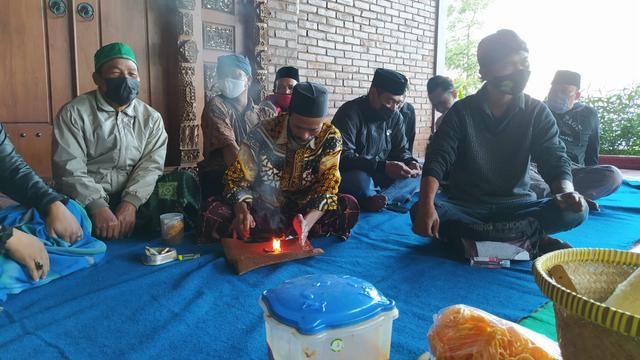 Tolak Cukai Naik, Petani Tembakau Lereng Gunung Sumbing Gelar Ritual Tolak Bala (23346)