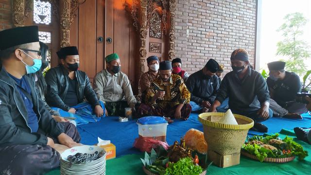Tolak Cukai Naik, Petani Tembakau Lereng Gunung Sumbing Gelar Ritual Tolak Bala (23343)