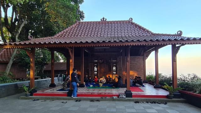 Tolak Cukai Naik, Petani Tembakau Lereng Gunung Sumbing Gelar Ritual Tolak Bala (23344)