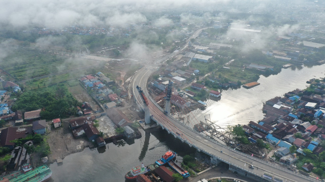 Populer: 2 Orang Terkaya RI Pemilik Klub Bola; Jembatan Lengkung Pertama di RI (361748)