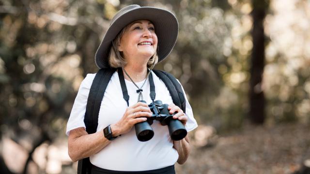 Traveling Sendirian, Nenek Ini Berhasil Kunjungi 66 Negara