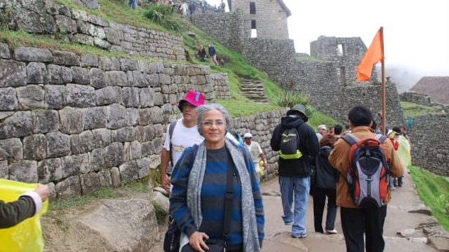 Traveling Sendirian, Nenek Ini Berhasil Kunjungi 66 Negara (1)