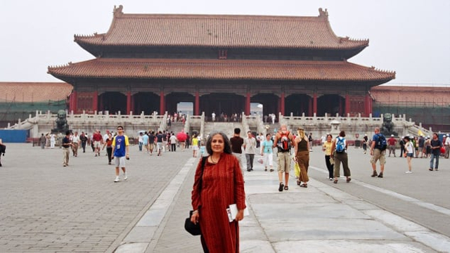 Traveling Sendirian, Nenek Ini Berhasil Kunjungi 66 Negara (4)