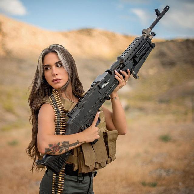 Pesona Orin Julie, Mantan Tentara Tempur Israel yang Dijuluki Ratu Senjata (27943)