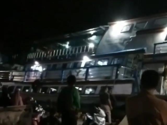 KM Arif Jaya Oleng Dihantam Gelombang Saat Hendak Sandar di Teluk Batang (26213)