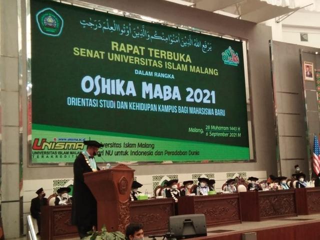 OSHIKA Maba Unisma Malang 2021/2022: Mahasiwa Harus Berpikir Global (443664)
