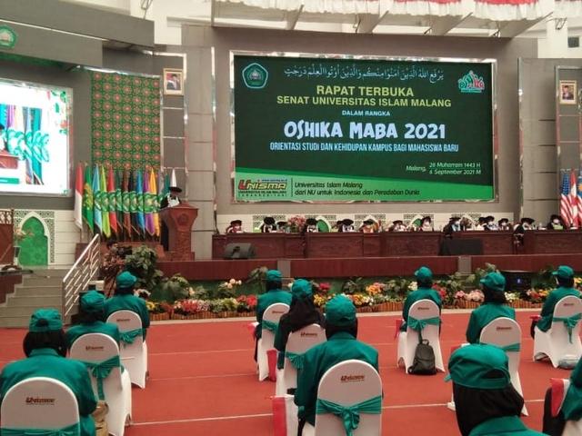 OSHIKA Maba Unisma Malang 2021/2022: Mahasiwa Harus Berpikir Global (443666)