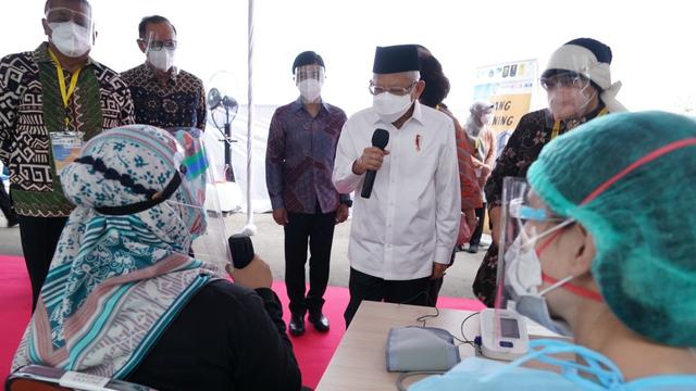 Ma'ruf: Pandemi Akan Jadi Endemi, 200 Juta Warga Harus Divaksin hingga Desember (145499)
