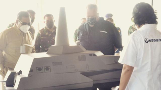 Prabowo Kunjungi Pabrik Kapal Perang 'Siluman' di Banyuwangi (44940)