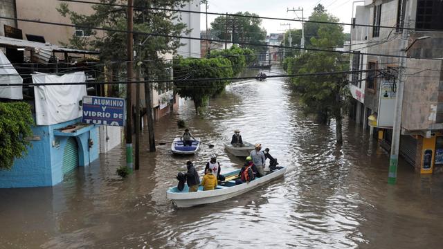 Foto: Banjir Merendam Rumah Sakit di Meksiko, 17 Pasien Tewas (148499)