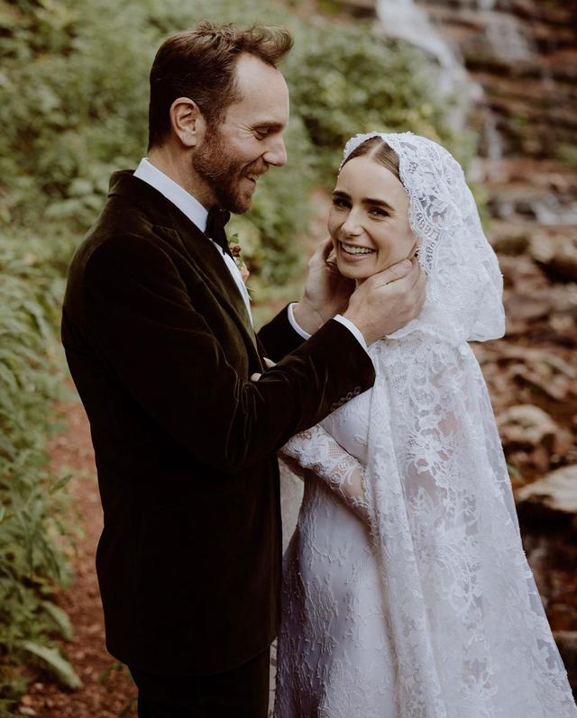 Lily Collins Menikah dengan Charlie McDowell, Bak Dongeng yang Jadi Kenyataan (86316)