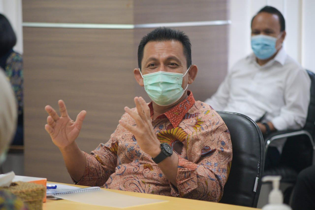 Gubernur Serahkan Proses Seleksi Sekdaprov Kepri Kepada Pansel (100834)