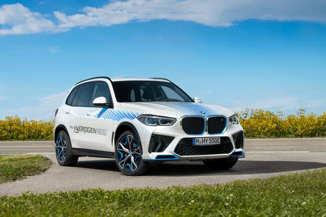 Mobil Hidrogen BMW iX5 Meluncur, Tenaganya Bisa Tembus 369 dk (862430)