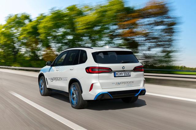 Mobil Hidrogen BMW iX5 Meluncur, Tenaganya Bisa Tembus 369 dk (862431)