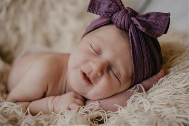 Nama Bayi Perempuan yang Artinya Perhiasan, Bisa Jadi Inspirasi! (144941)